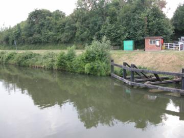 Bridgemans hut and canal at Sellars